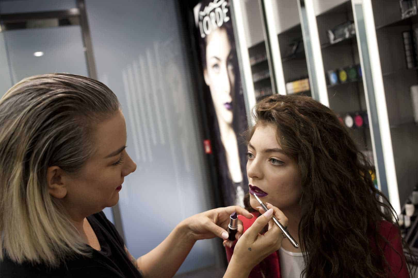 Makeup Artist understanding college and its subjects available