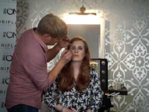 Leeds School artista de maquillaje
