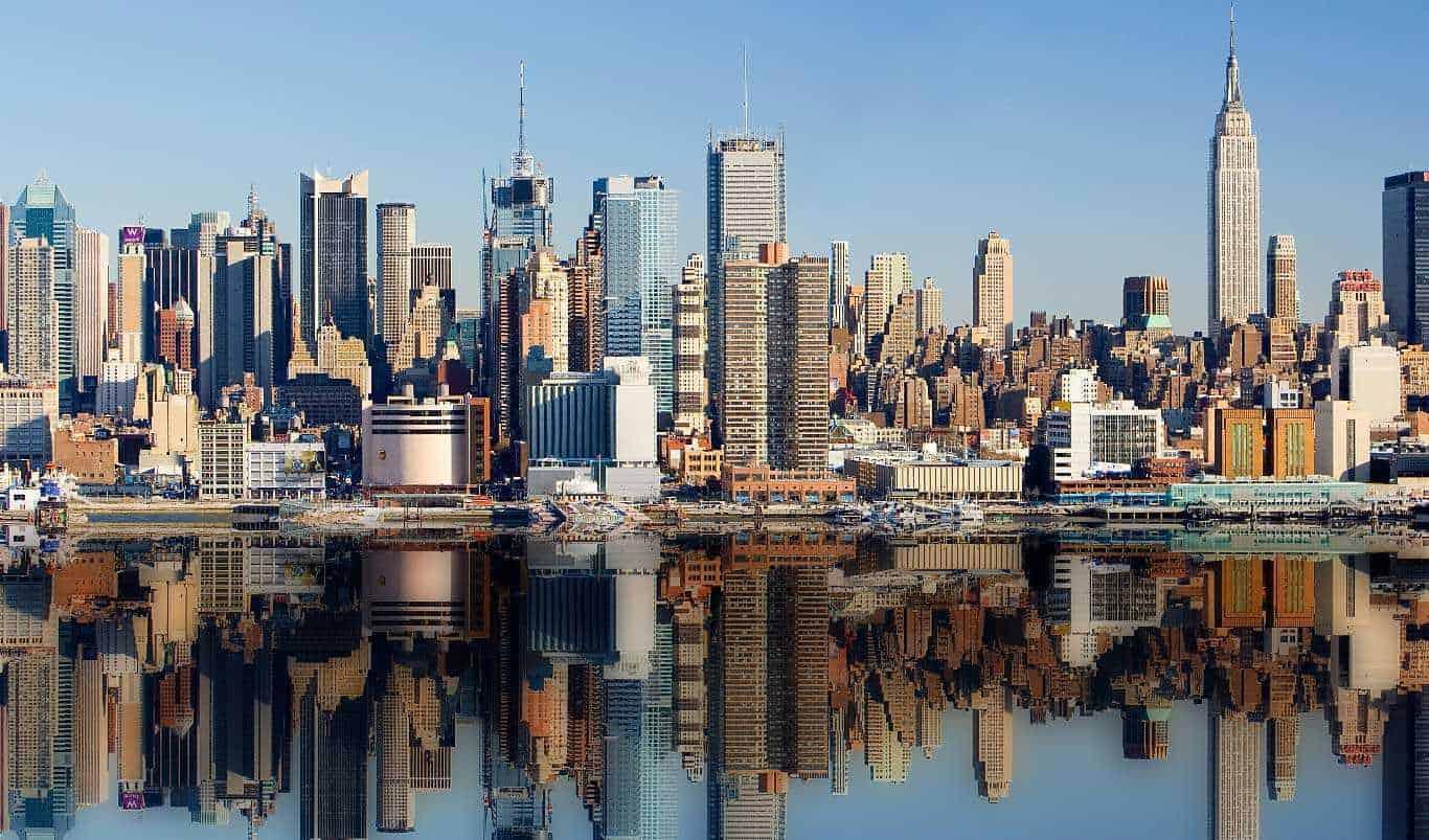 New York Makeup School Enroll Into