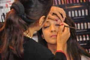 Phoenix maquillaje Escuela artista