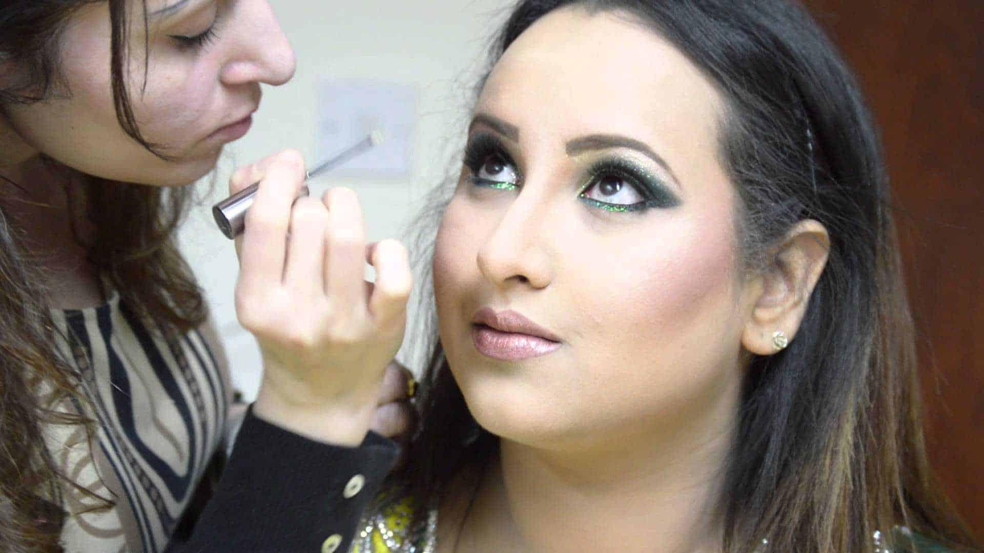 Sheffield Makeup School Enroll Into